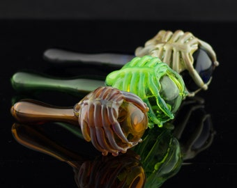 Facehugger Large Glass Spoon Pipe