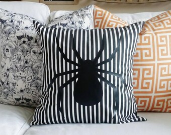 Spider Striped Pillow Cover