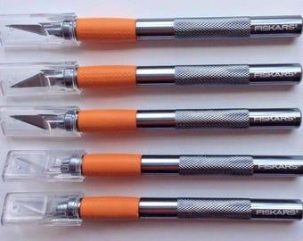 5 FISKARS Razor Knife w/ Textured Grip + 5 Replacement Blades! Xacto NIP Craft Supplies Jenuine Crafts