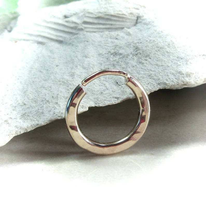 12 Illusions Hoops Gold Hammered 2mm SINGLE EARRING