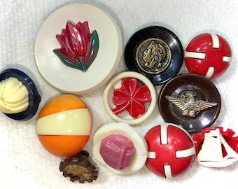 Vintage Buttons - 11 2-Piece Plastic Buttons