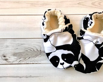 c2a3eac3d Panda baby slippers