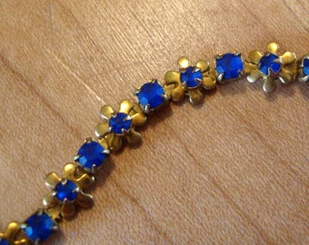 Blue flower chain yellow brass with blue stones - vintage brass - 6mm flowers 3mm and 2mm stones - links do move - Very SWEET - One pc