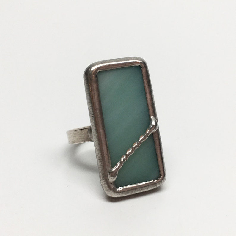 Eucalyptus Twist  Size 7.5 Sterling Silver Stained Glass Ring image 0