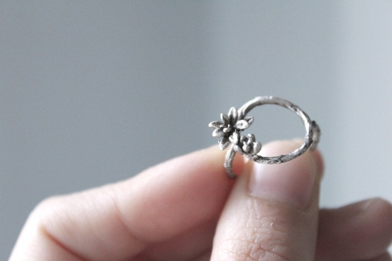 Silver branch ring Open circle ring Nature jewelry Silver succulent ring Gift for girlfriend