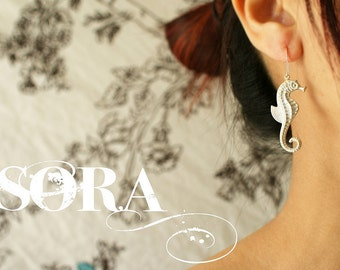 Seahorse dangle earrings, drop earrings, seahorse couple earrings metal seahorse dangle earrings
