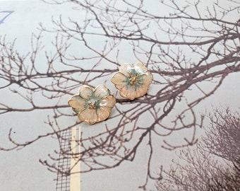 Vintage Earrings. 1980's Stud Earrings. Studs. Stud Earrings. Flower Earrings. Floral Earrings. Flowers. Statement Earrings. Ready To Ship.