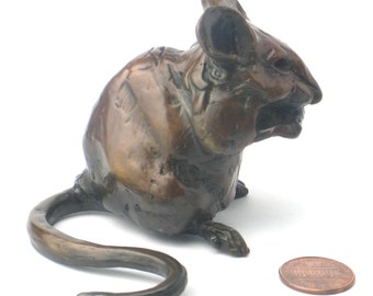 Chubby mouse (bronze) about 2.5 inches tall