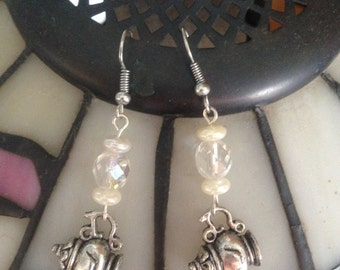 The Mad Tea Party Earrings - for Gothic Lolita, Elegant Lolita and mad hatters