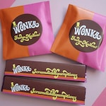 Wonka Scrumdiddlyumptious & FudgeMallow labels Wonka Bar candy wrappers Willy Wonka party favors DiY printable files ReTRo oRaNGe PiNK