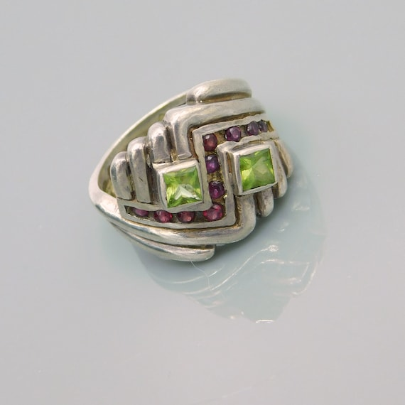 Vintage Sterling Chevron Ring, Sterling Peridot an