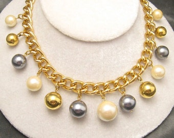 Vintage Pearl Necklace Chubby Pearl Beads Avon