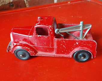Vintage TootsieToy Diecast Hook Tow Truck (19A)