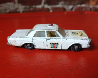 Vintage Matchbox Series Ford Galaxie Police Car - made in England by Lesney (19A)