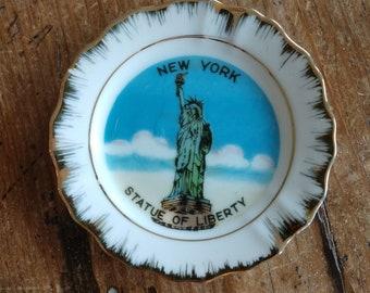 Souvenir Mini New York Statue of Liberty Plate (19G)