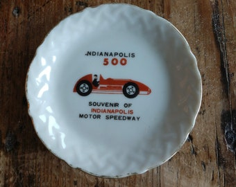 Souvenir Mini Indiannapolis 500 Speedway Plate (19G)