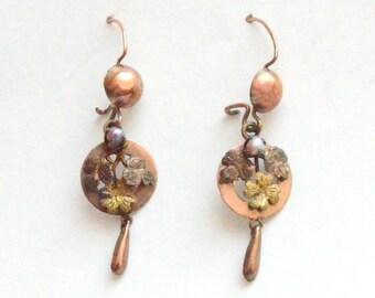 Dainty Floral Drop Earrings