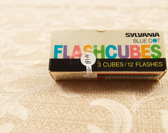 Box of Vintage Sylvania Blue Dot Flashcubes