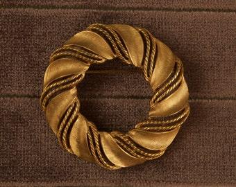 Vintage Trifari Wreath Circle Pin Brooch