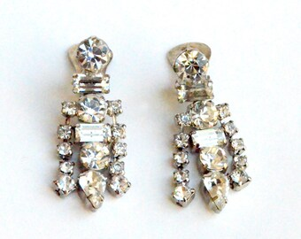 Sparkly Dangly La Rel clip on earrings