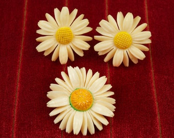 Fabulous Old Daisy Earrings and Pin Set