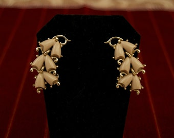 Vintage Kramer Thermoset Clip Earrings