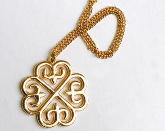 Golden Fleur de Lis Symbol Pendant and Chain
