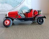 Vintage Tin Toy Car (19A)