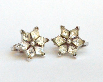 Trifari Clear Rhinestone Star clip on Earrings