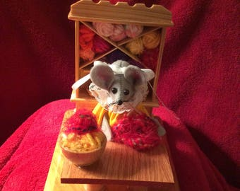 Mouse in her Knit Shop