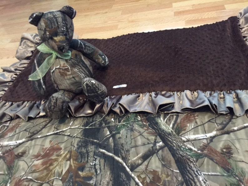 Real tree camouflage minky blanket image 0
