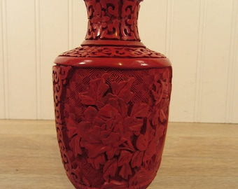 Lovely Antique Chinese Cinnabar Enamel Carved Vase Black And Red 20th Rare Blue Enamel Attractive Designs; Vases