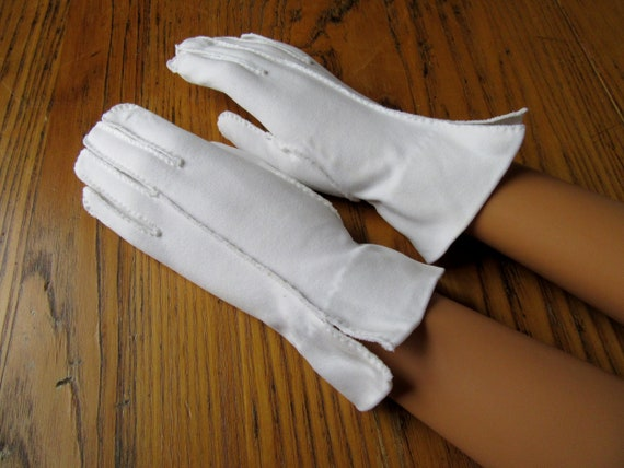 Vintage Lilly Dache Gloves, Hand Stitched, White,