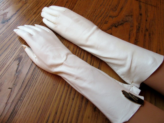 Vintage White Leather Gloves, Size Small, 3/4 Leng