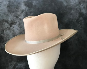c4e00bb50b2 Vintage 1950 s Bailey of Hollywood warm beige western wool felt hat cowboy