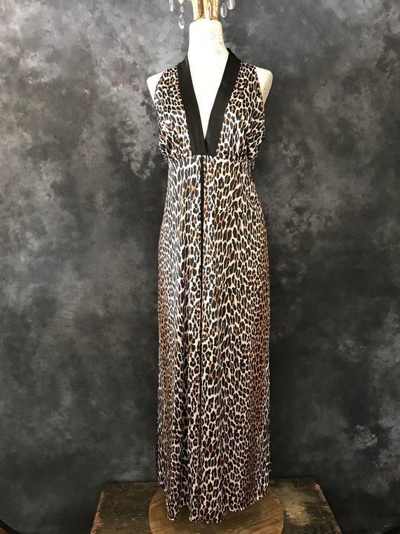 Vintage 1960's Vanity Fair leopard print nightgown