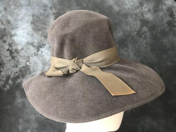 Vintage 1970's grey wool velour wide brim floppy h