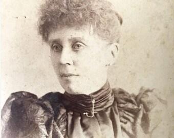 Antique Victorian cabinet card portrait photo of Canadian woman / Aimo studio, St. John, New Brunswick