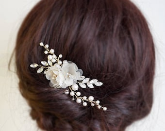 Wedding Hair Accessories Bridal Headpiece Pearls & Crystal Wedding Hair Flowers Bridal Hair Comb Hair Clip for Wedding Gift for Brides
