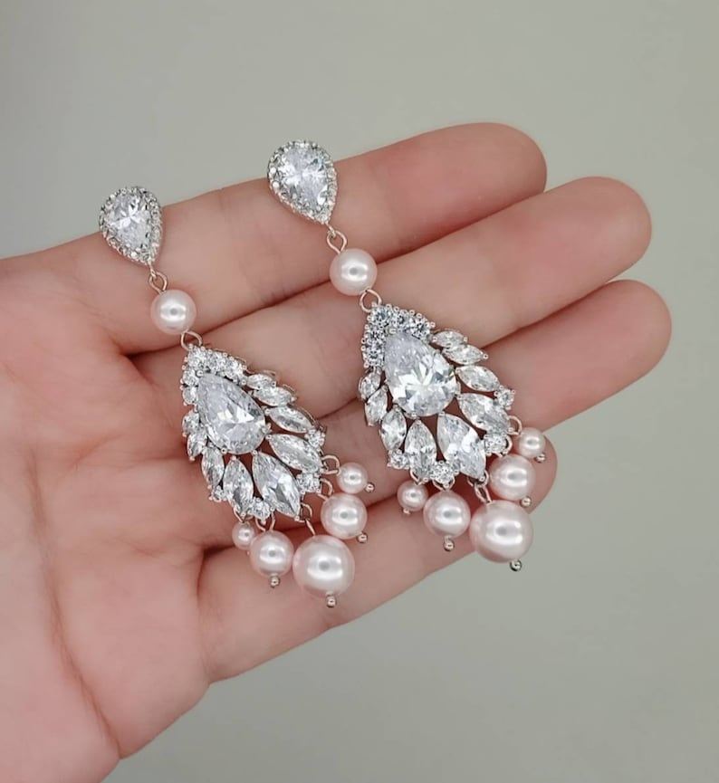 pearl chandelier earrings bridal jewelry rhinestone earring Chandelier wedding earrings silver bridal earrings crystal /& pearl earrings