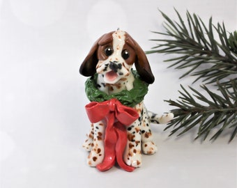 Treeing Walker Coonhound PORCELAIN Christmas Ornament Figurine Wreath and Bow