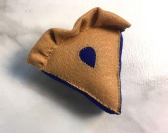 one slice of BLUEBERRY Felt Pie || felt food, felt pie, tea party food, pretend kitchen, gift for kids, bakery, blueberry, keyhole crust