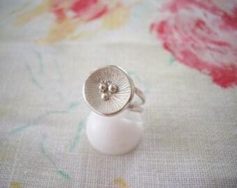Poppy ring, Silver poppy, Poppy flower, Flower ring, Poppy jewelry, Flower jewelry, Minimalist, Artisan jewelry, Simple ring, Unique jewelry