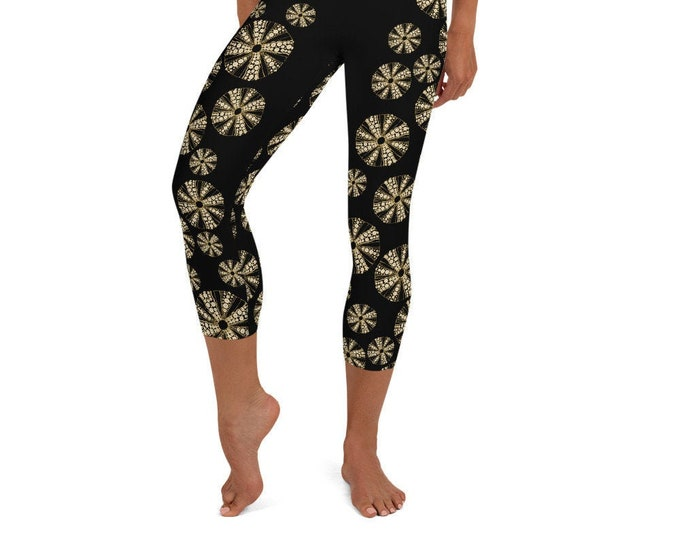 Yoga Capri Leggings Black Sea Urchin Print