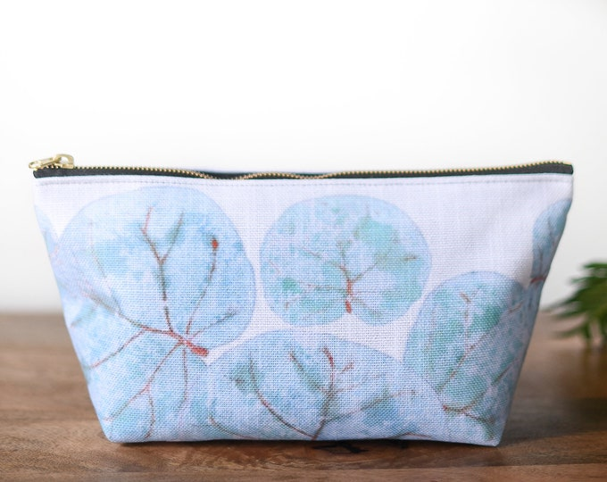 zipper pouch tropical sea grape leaves print