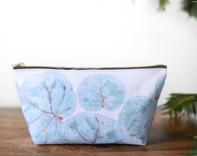 zipper pouch tropical leaves print