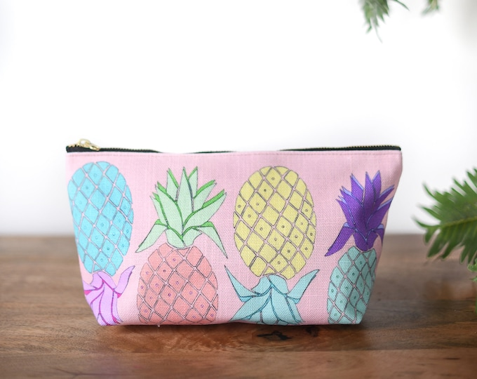 zipper pouch pineapple tropical print