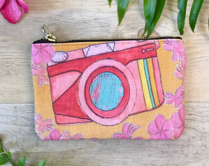 small coin purse / zipper pouch vintage camera
