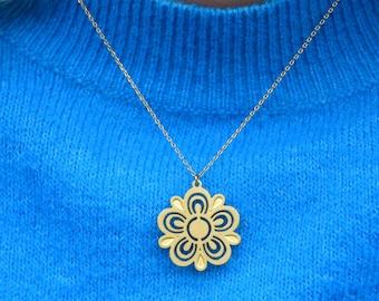 Retro Pyrex Flower Necklace | Brass | ATL-N-244