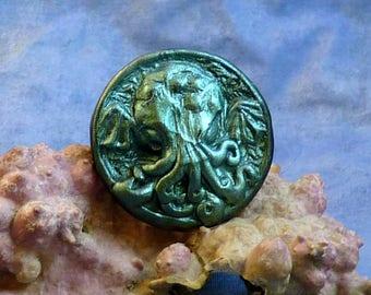 Dark Green Cthulhu Cameo Pin, Polymer Clay Fashion Jewelry